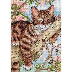 Napping Kitten (18 Count) 5 x 7 inch Gold Collection Counted Cross Stitch Kit
