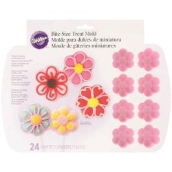 WILTON-Silicone Baking Mold: Flowers